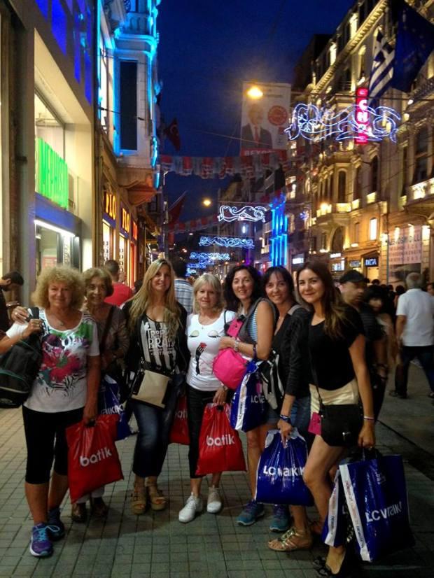 Mujeres x eel mundo plaza Taksin